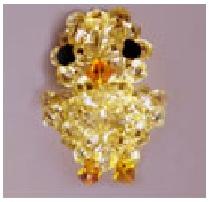 Цыпленок из желтых кристаллов.  Для того, чтобы сплести такого маленького и красивого цыпленка вам нужно взять.