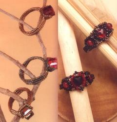 кольца с красными камнями сплетенные из бисера