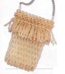 самодельная сумочка для телефона из белого бисера