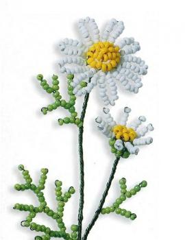 маленький цветок ромашки из бисера