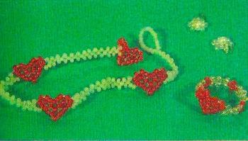 браслет и кольцо с сердечком из бисера
