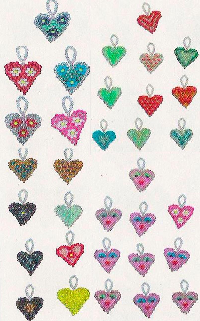 сердечки из бисера с разными рисунками. разноцветные сердечки из бисера.