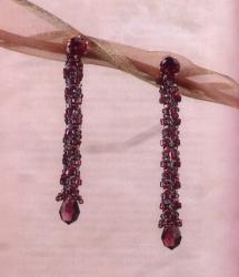 плетем серьги из бисера