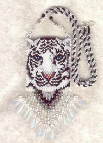 """Просмотров: 731 Комментариев: 0. Сумочка на шею  """"Белый тигр """"Необходимые материалы:- бисер белый, черный, кремовый..."""