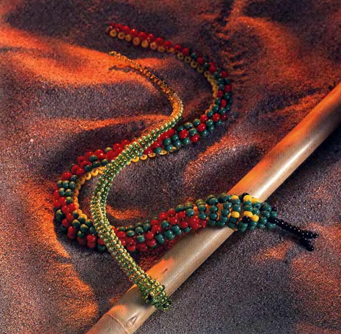 Бисероплетение змеи - Делаем фенечки своими руками.