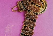 самодельный браслет с пуговицей