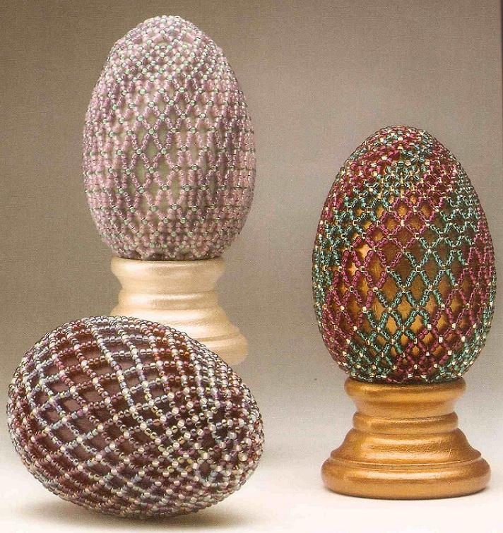 оплетаем яйца бисерной сеткой