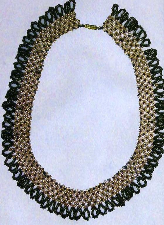 При плетении сверяйтесь с рисунком 74.  Материалы:круглый бисер серебристого, темно-лилового, гематитового...