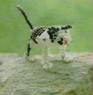 пятнистый кот из бисера