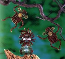 Плоские обезьяны и лев Схема плетения: Игрушки плетутся параллельным плетением из простого круглого бисера...