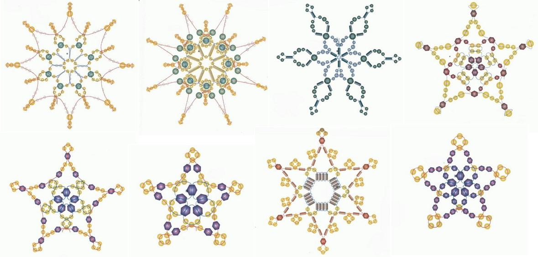 Снежинки из бисера разной формы.