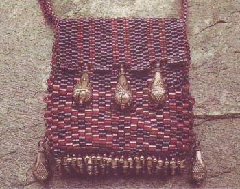 красивая сумочка из бисера