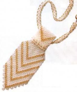 галстук из белого и золотого бисера