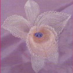самодельный цветок из бисера