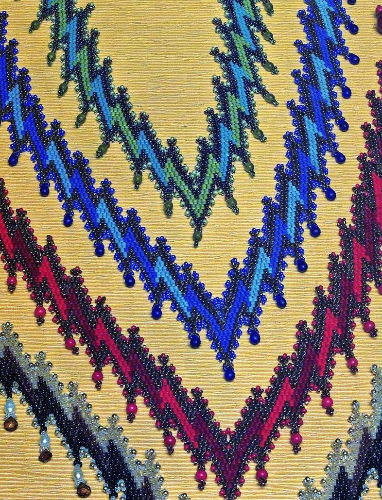 Подробная и понятная схема плетения украшений.  Изделия из рубки, бисера и бусин.