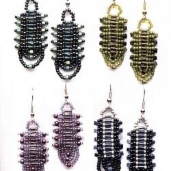 Разнообразные и очень красивые серьги из бисера.  Самое главное, что украшения сплетенные своими руками уникальны.