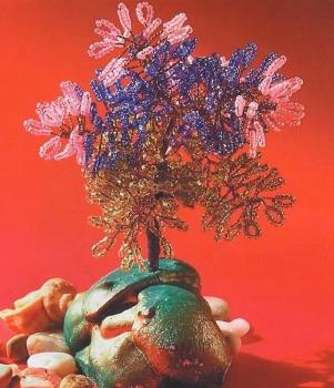 маленькое дерево из бисера