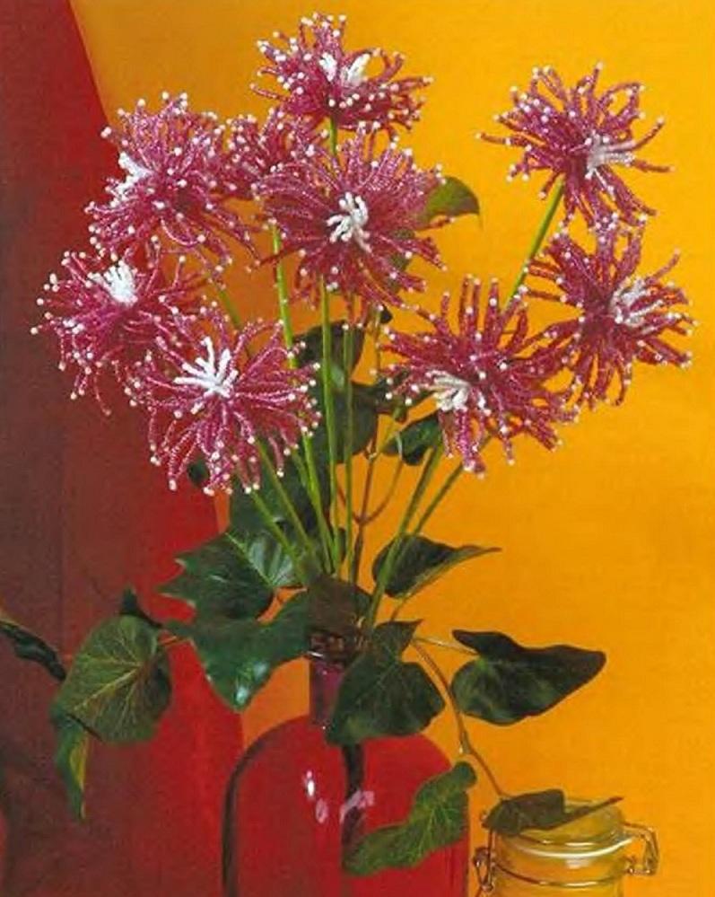 букет бордовых хризантем из бисера