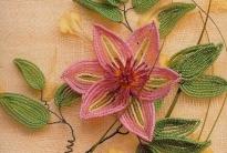 розовый клематис из бисера