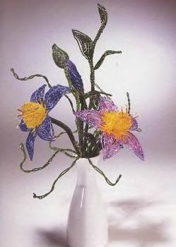 красивые фантазийные цветы из бисера