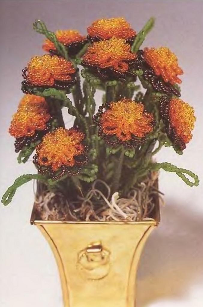 цветы бархатцы из бисера