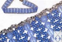 голубое колье из бисера