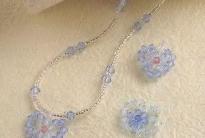 голубые сердечки из кристаллов