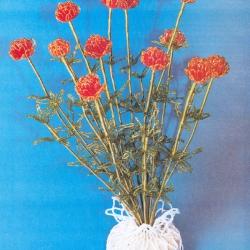 букет оранжевых цветов из бисера