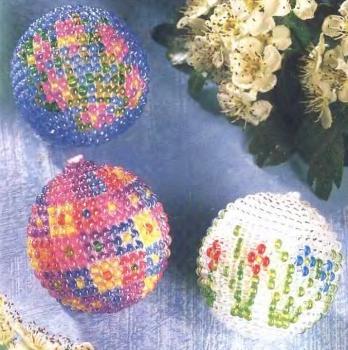 Орнаменты для яиц.  Первый этап плетения бисерной сетки для пасхального яйца - бисерный поясок.