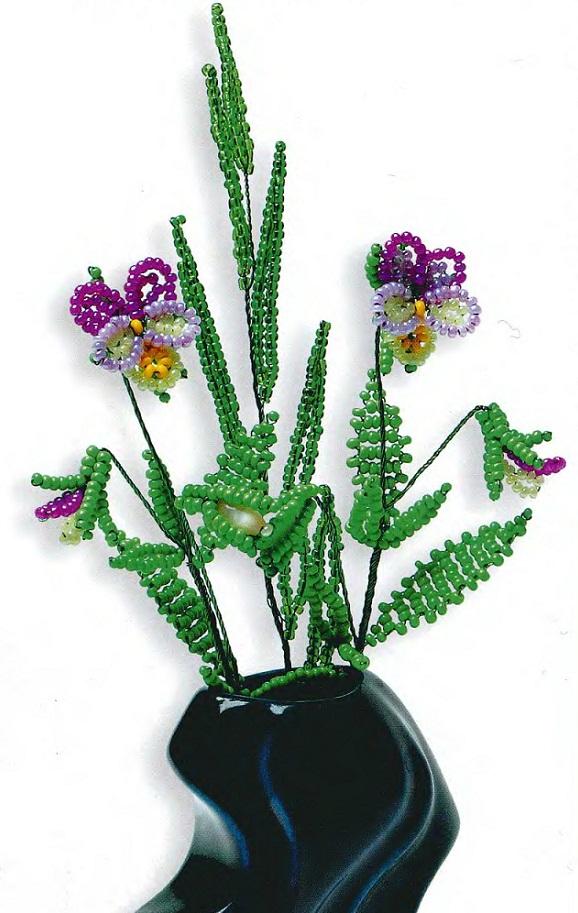 цветы фиалки из бисера