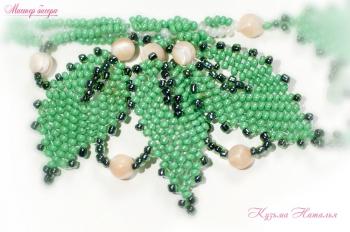 зеленые листики