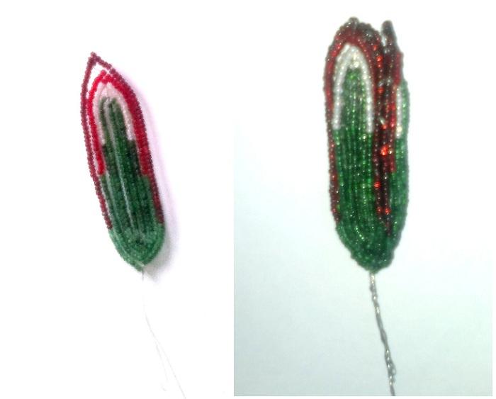 Делаем бутон: плетём лепестки так же, как и для цветка, только тут необходим постепенный переход цвета от...