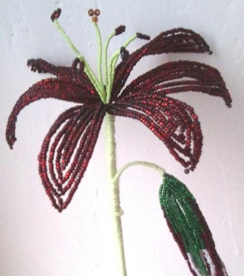 цветы из бисера лилии фото - Искусство бисероплетения.
