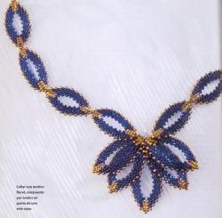 украшение из синего бисера