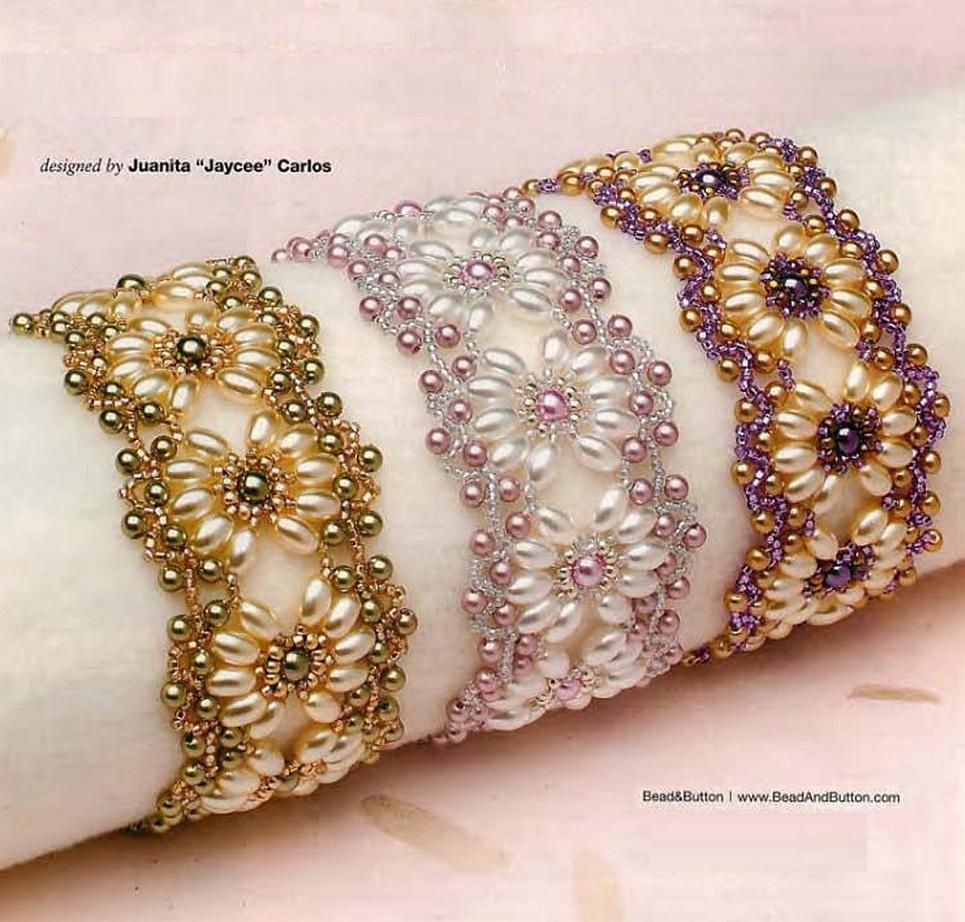 Красивый браслет из бисера и бусин Beads beautiful bracelet.