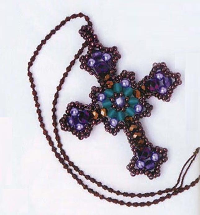 Крест из разноцветных бусин и