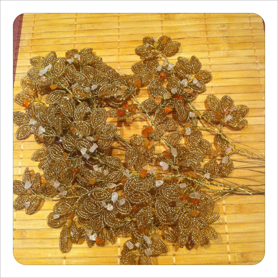 большие ветки. сборка веток для золотистого панно из бисера рис. 1.