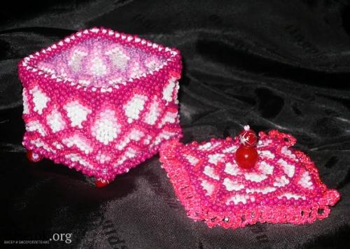 розовая шкатулка