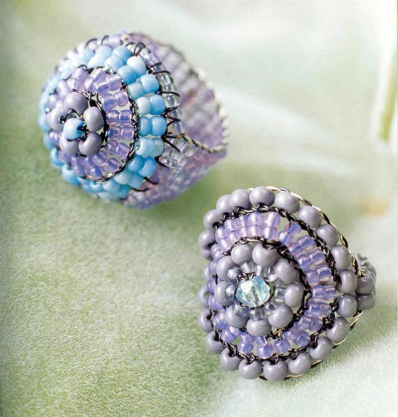 ...голубой крупный бисер - 5 фиолетовых бисеринок - мелкий фиолетовый бисер - проволока Схема плетения кольца-ракушки...