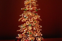 Золотая елка из бисера
