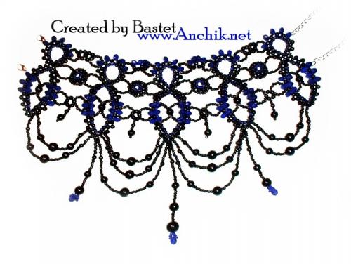 Ожерелье стойка из бусин и бисера