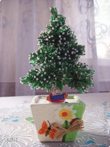 Зеленая елка из бисера