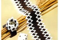 Браслеты из черного и белого бисера