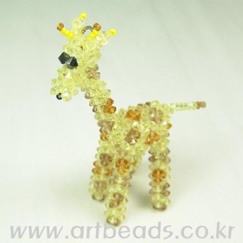 Желтый жираф