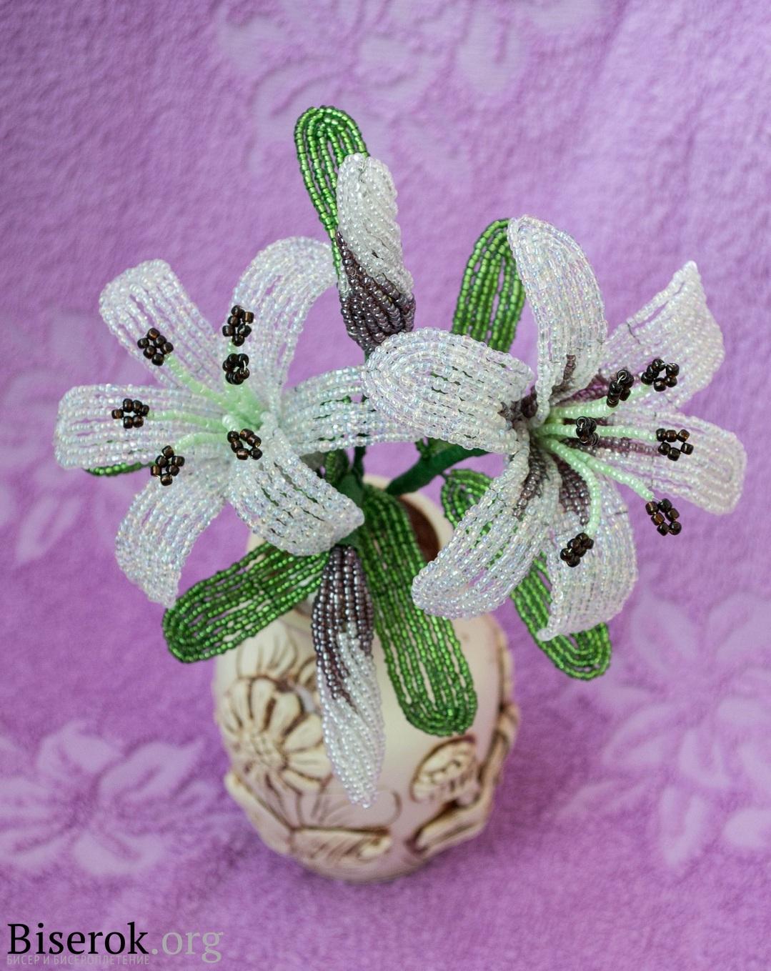 Лилии из бисера. irishka51254: February 14th, 2011.  Попробовала новое для себя искусство - плетение из бисера.