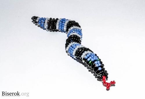 Сколько я пересмотрела мастер-классов по изготовлению змеи?  Это моя змейка-спираль (схему прилагаю...