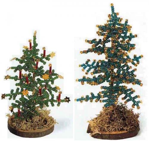 Украсить елку можно по разному, переходом бисера от зеленого к серебристому, разноцветными бусинами, стеклярусом...