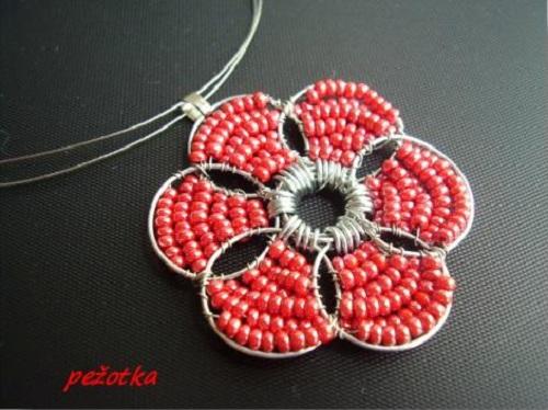 Кулон-цветок