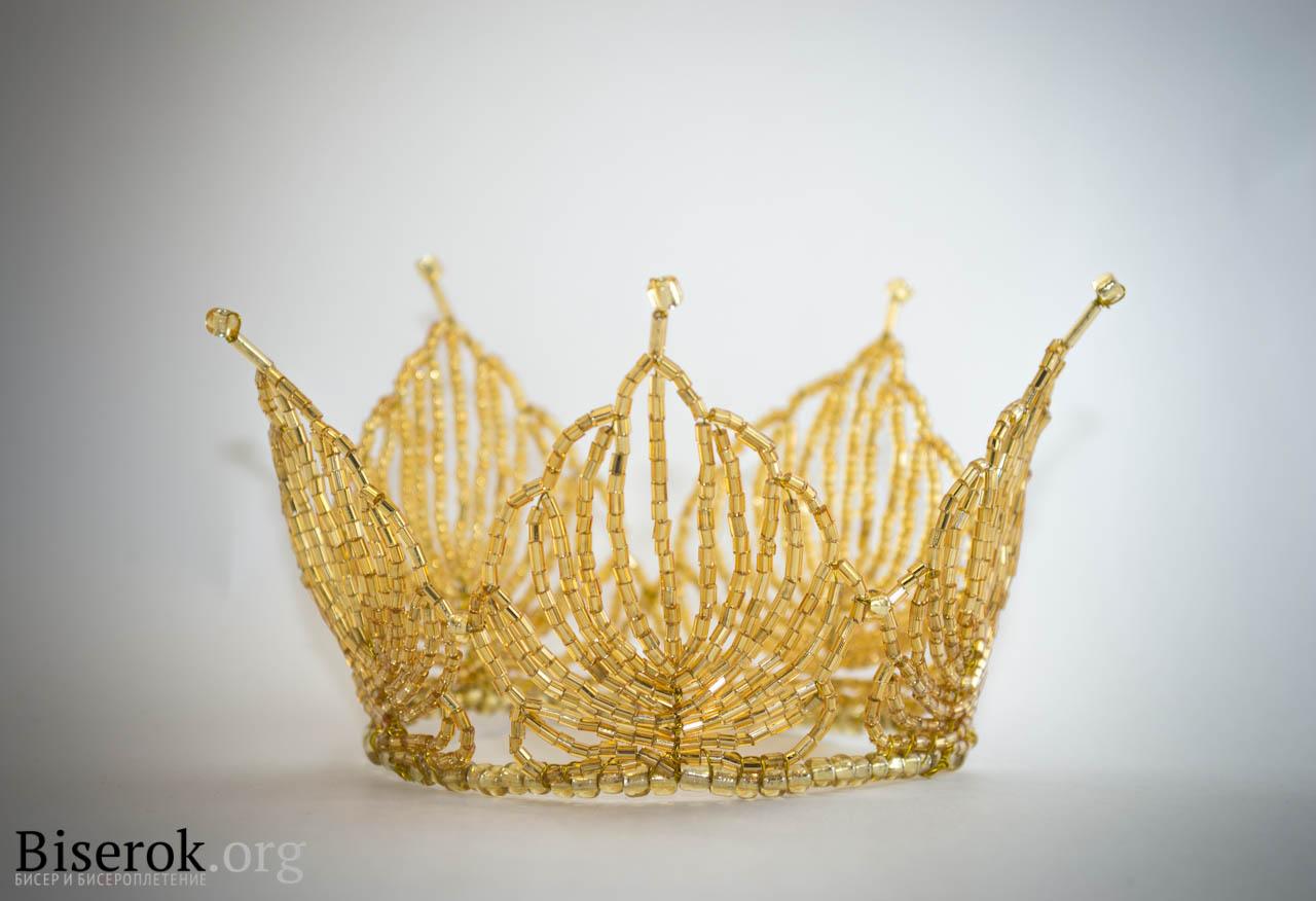 Золотая корона готова.  Теперь костюм для моей дочурки в полном комплекте, я спокойна и довольна результатом.