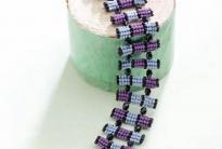 голубой браслет из бисера